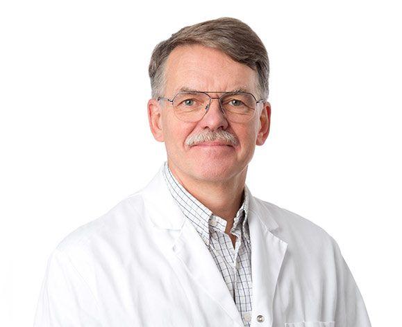 Dr. Gunnar Göransson är Klinikchef och Kirurg med specialinriktning mot estetisk kirurgi och laserkirurgi