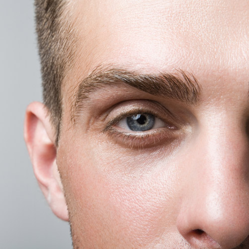 närbild på ansikte hos man